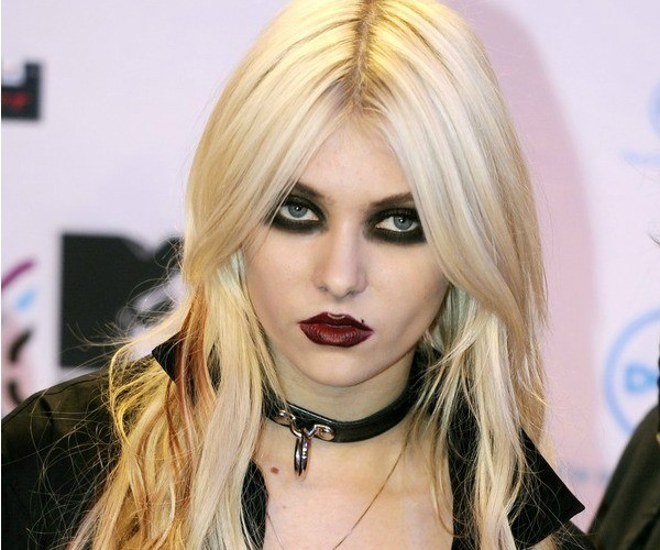 hollywoods most taylor momsen1 - Taylor Momsen How The Grinch Stole Christmas